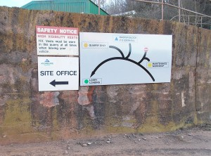 CS-Torr-Quarry-direction-sign