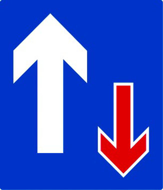 Vehicle priority traffic sign