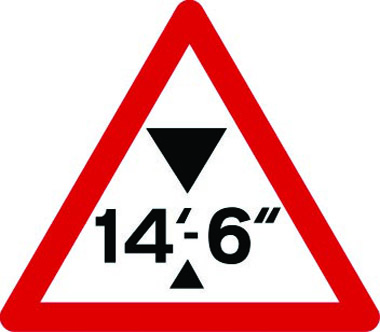 Maximum headroom at hazard 14ft 6in traffic sign
